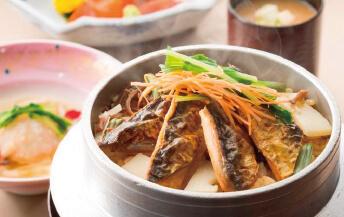 季節の炊きたて釜飯膳(他1種)