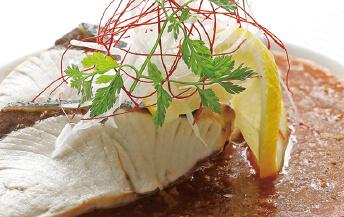 ブリの葱生姜蒸し ピリ辛風味ソース