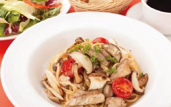 イワシとキノコのペペロンチーノスパゲティ