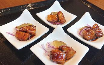 北海道産ブリとさつま芋の黒酢炒め