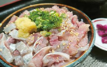 生イワシ丼(他1種)