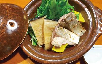 くじらとブリのハリハリ鍋料理