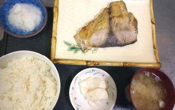 ブリの塩焼き(他1種)
